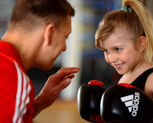 bambini kickboxen,Kampfsport für kleine Kinder